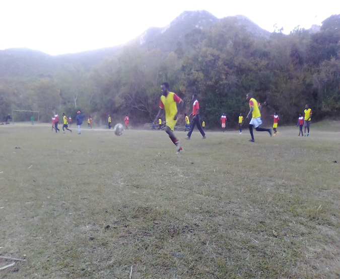 Mutasa Youths Ignore Lockdown Rules, Play Soccer