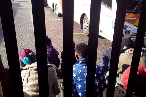 Human Traffickers Dump SA-Bound Immigrants In Zimbabwe