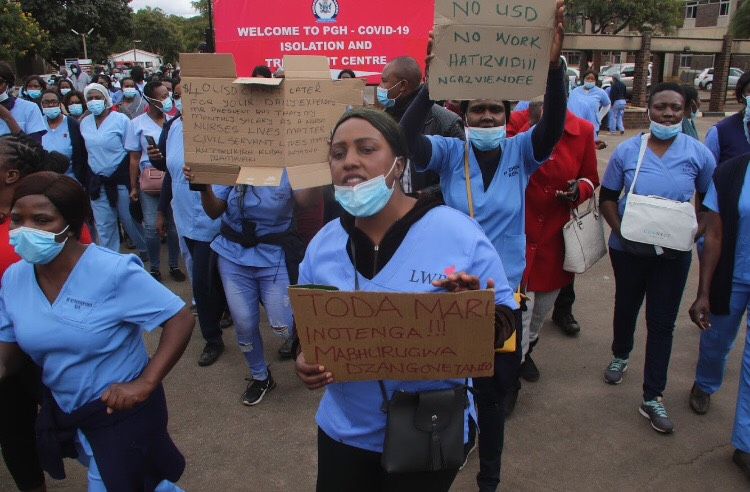 IN PICTURES: Striking Parirenyatwa Hospital Nurses Demand Salary Hikes