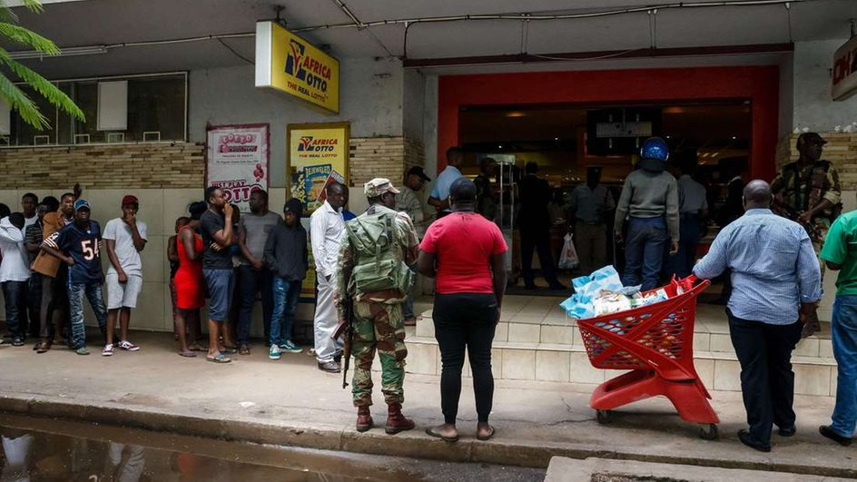 Zimbabwe rocked by worst economic crisis in over a decade