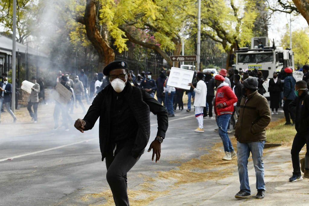 SA police clash with protesters at Zimbabwe embassy in Pretoria