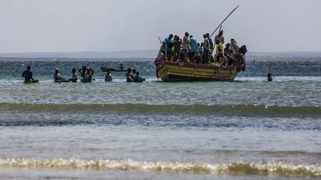 Mozambique Battles For Port Seized By IS