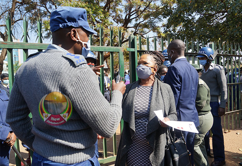 WATCH: Cops Scolding Lawyer Mtetwa, Deny Her Access To Courts