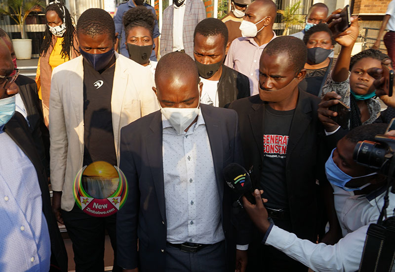 WATCH: Police In Failed Bid To Block Chamisa From Addressing Media