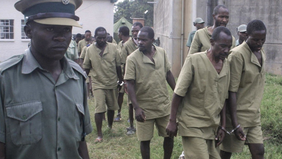 Zim Covid-19+ prisoners given 'hot water' as treatment, says Chin'ono
