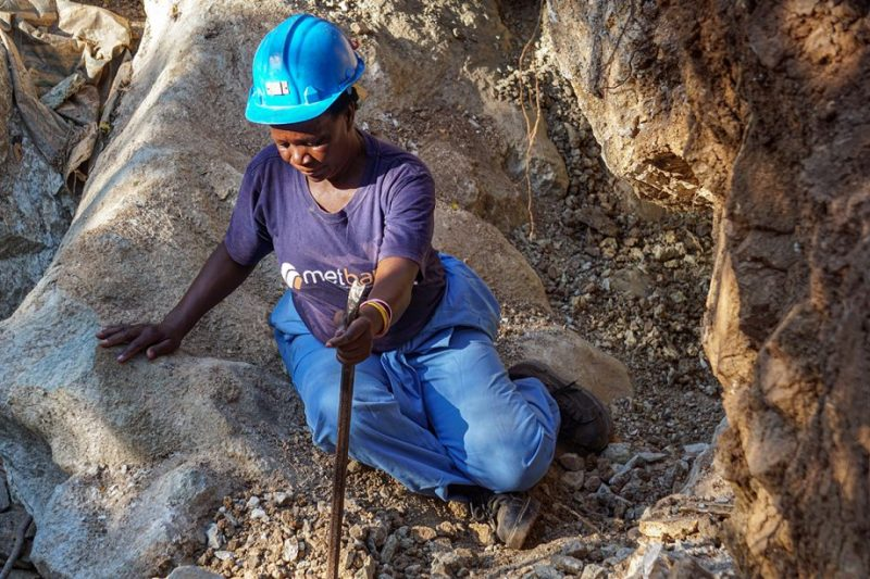 Kwekwe has 1100 women illegal miners out of 6000 – report