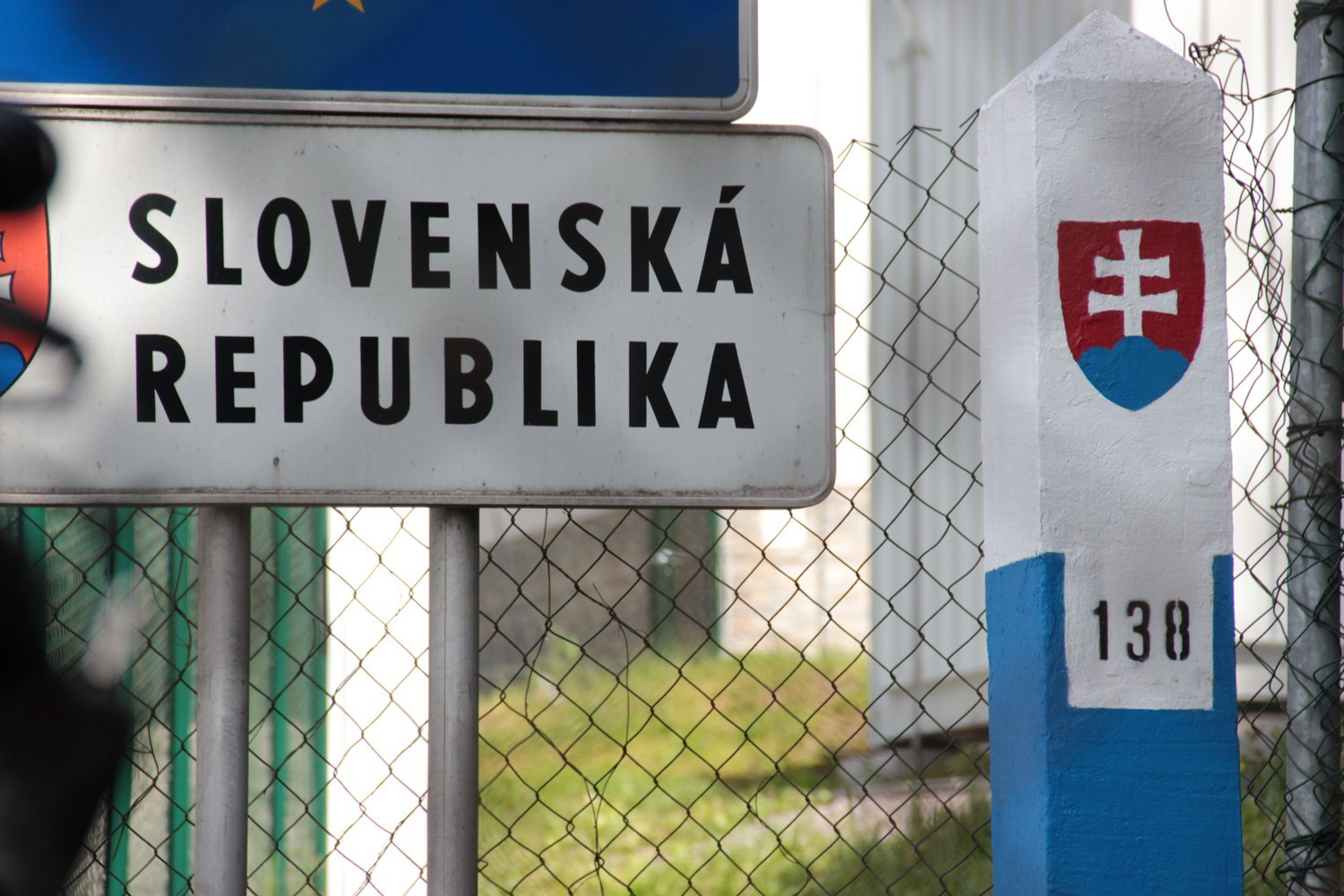 Slovakia calls up troops as cases rise