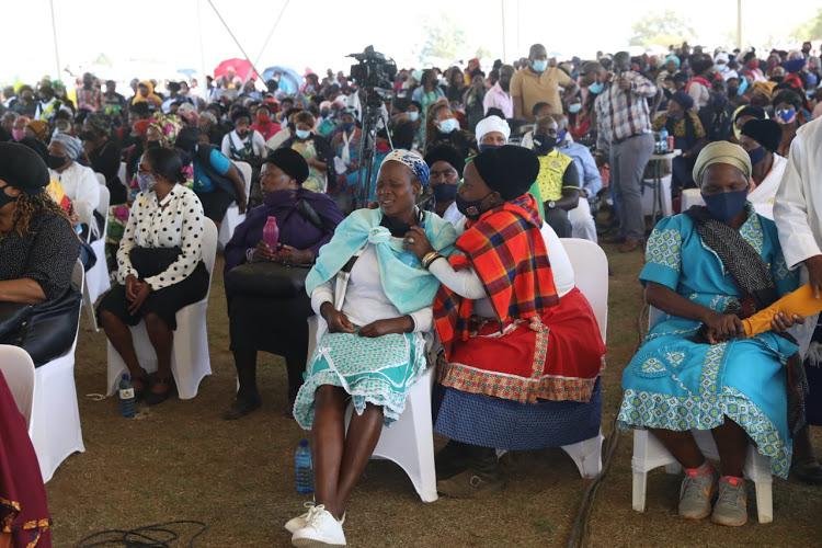 Minibus crash kills 13 South African family members