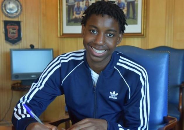 Tawanda Chirewa Signs First Pro Deal At Ipswich Town