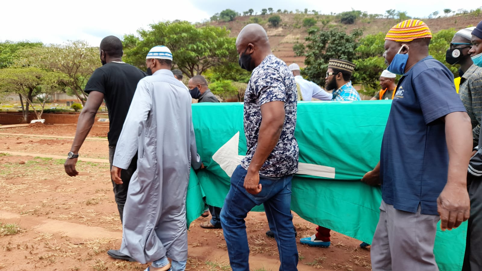 Moana's family buries differences to give socialite emotional send-off