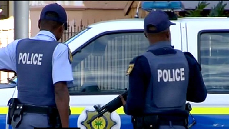 Community Attacks SA Police In Limpopo While Arresting Undocumented Foreigners
