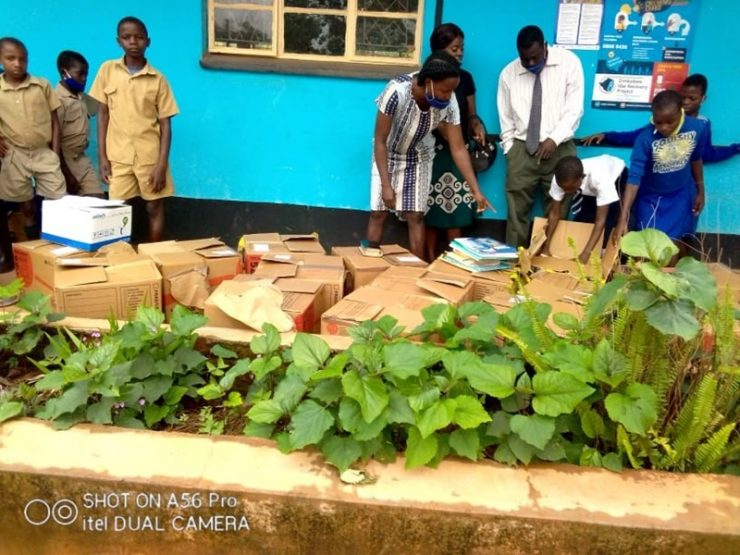 Honde Valley School Receives Book Donation From New Zealand
