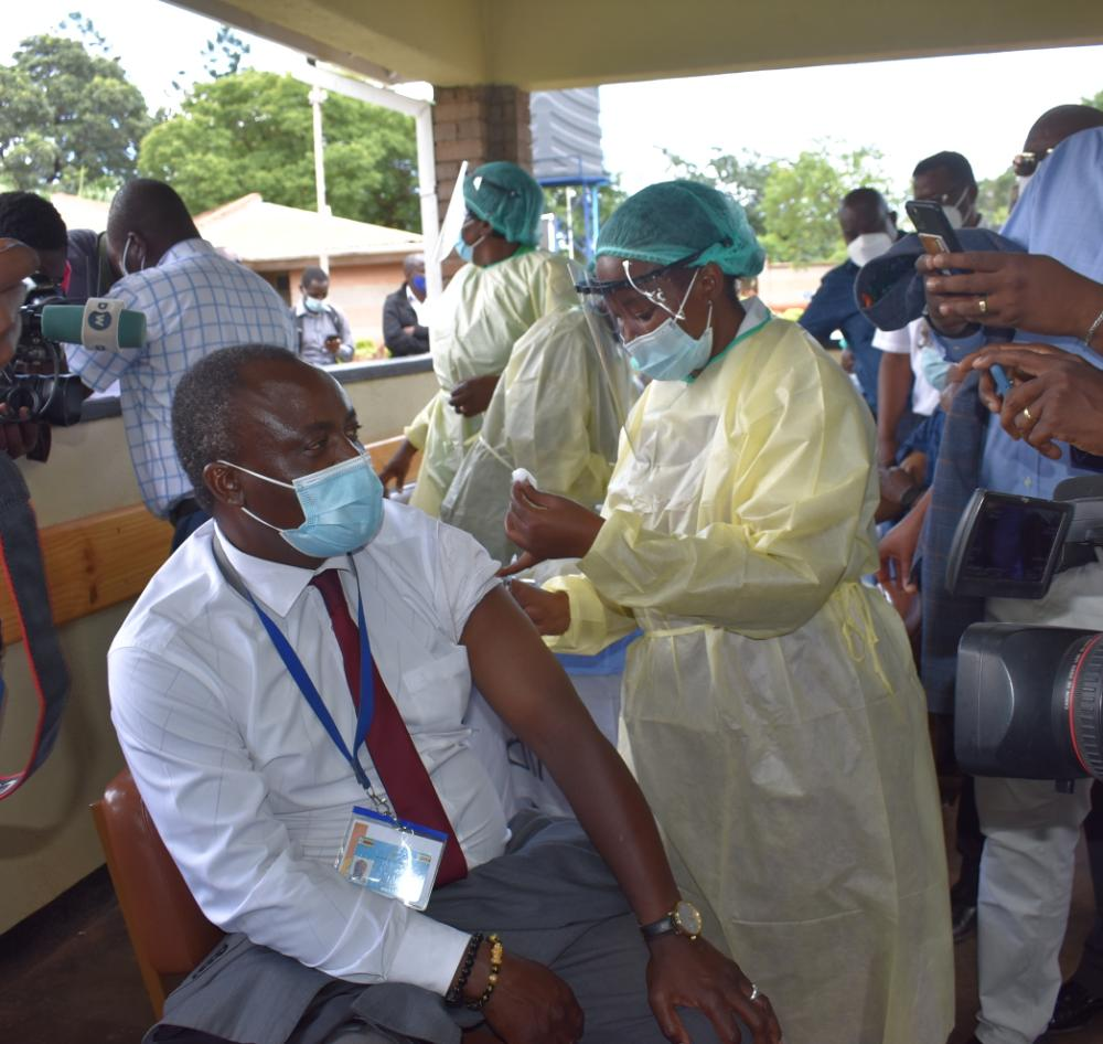UK Covid Vaccine Rules Cause Hesitancy – Africa Health Boss