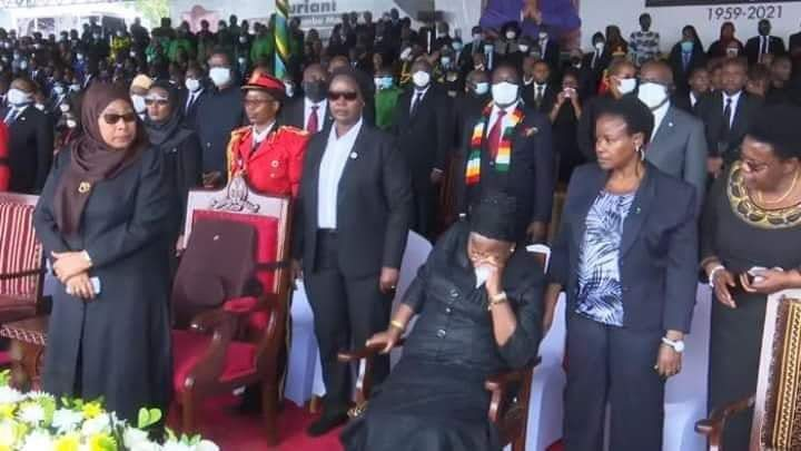 ED Throws Away Face Mask While Addressing Mourners At Magufuli's Funeral
