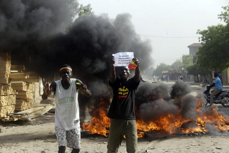 Thousands demonstrate in Chad against military transition