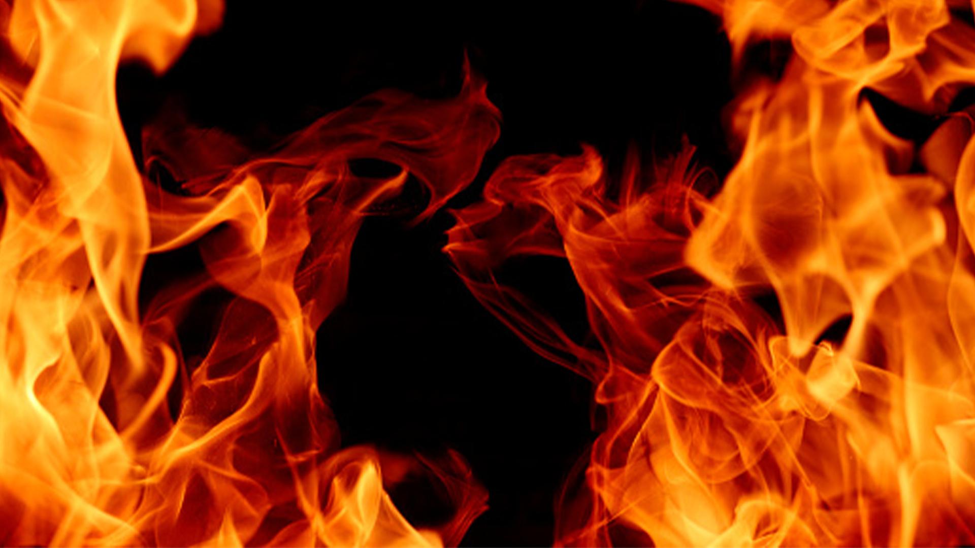 WATCH: Doctors, Nurses Left Stranded As Fire Guts Hospital Homes In Kwekwe