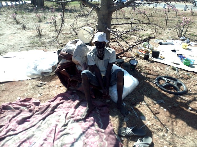 Desperate Zimbabweans Living SA's Musina's Streets Finding It Tough