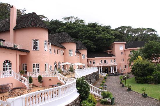 Top Vumba Hotel Fires 15 Workers For Breaking Teapot Lid