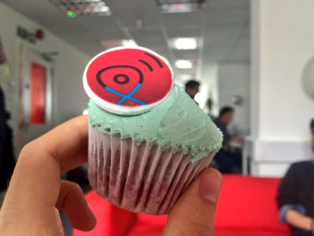 Virgin Media WiFi Buddy Angel Food Cupcake