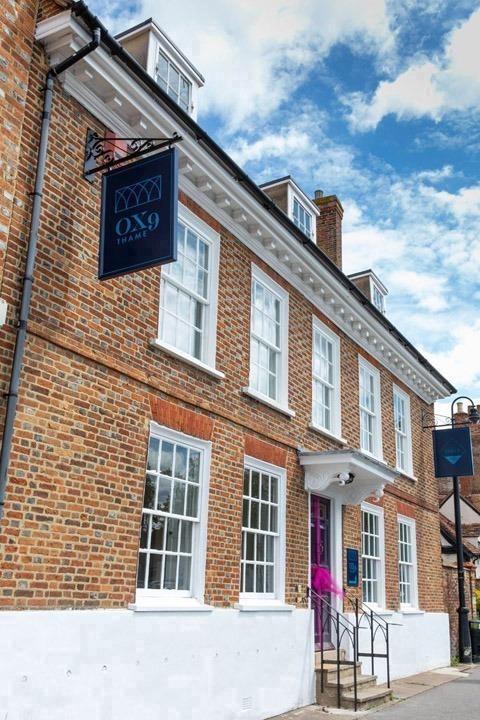 Sanderum Centre - OX9 Thame, 13 Upper High Street, Thame,OX9 - Oxfordshire