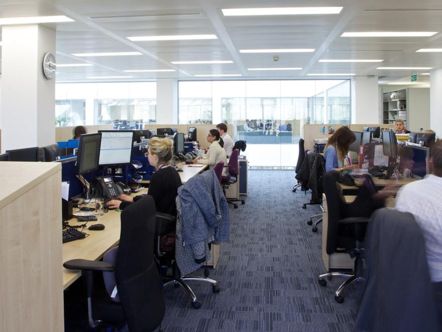 office-design-for-Baker-Tilly-Guildford-11_2640x1980_acf_cropped