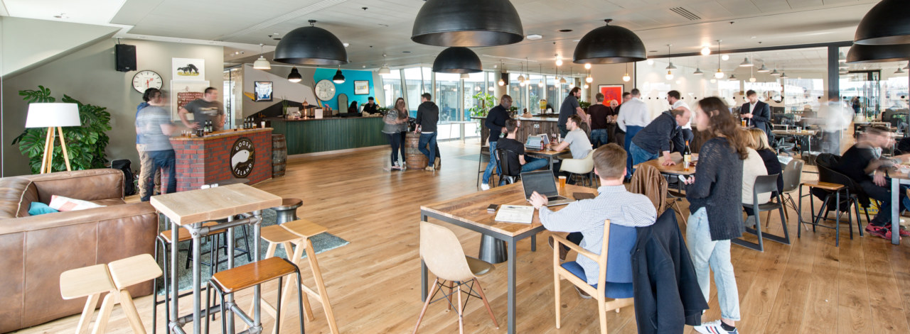 office-design-for-WeWork-Moorgate-9_3840x2160_acf_cropped_3840x1414_acf_cropped