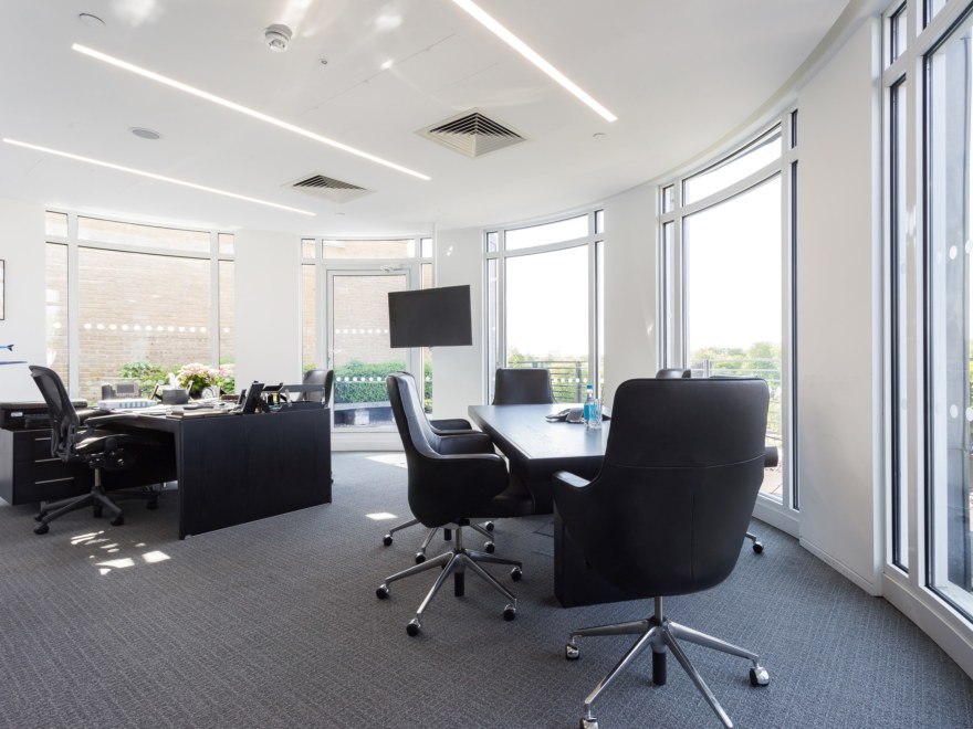 Fast track boardroom office design for Man Capital