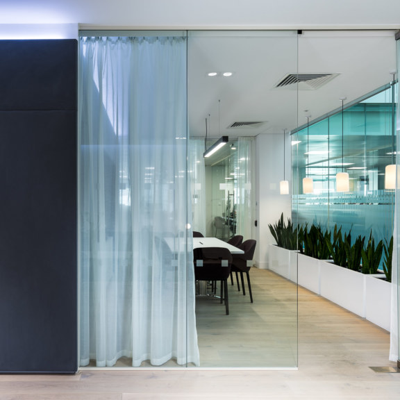 meeting-rooms-design-by-oktra_1728x1728_acf_cropped