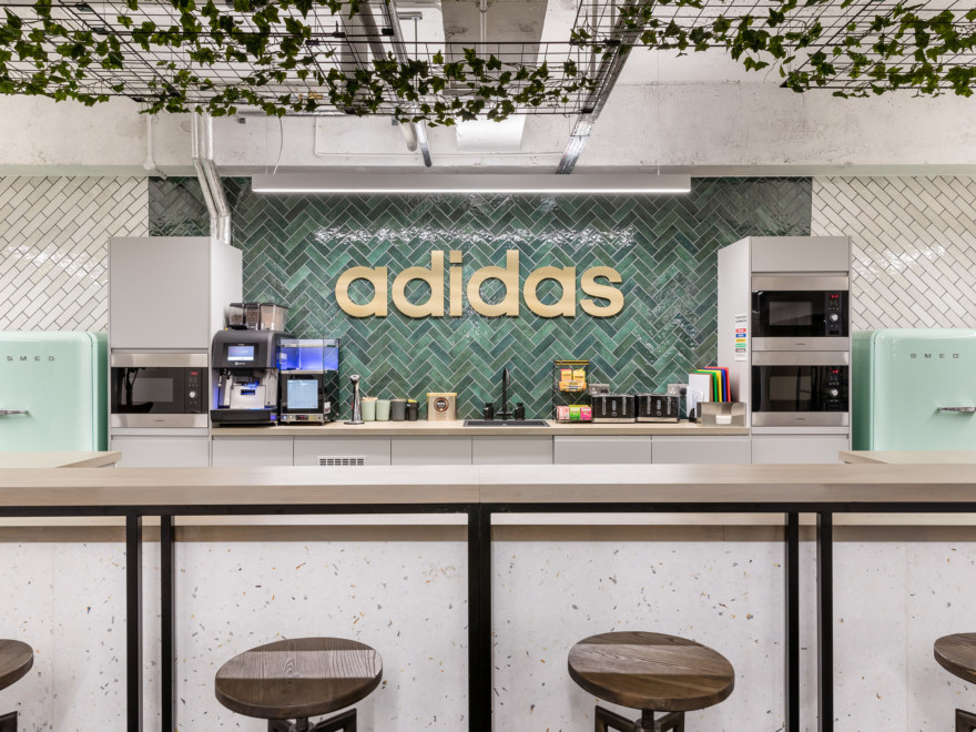 Teapoint design for Adidas