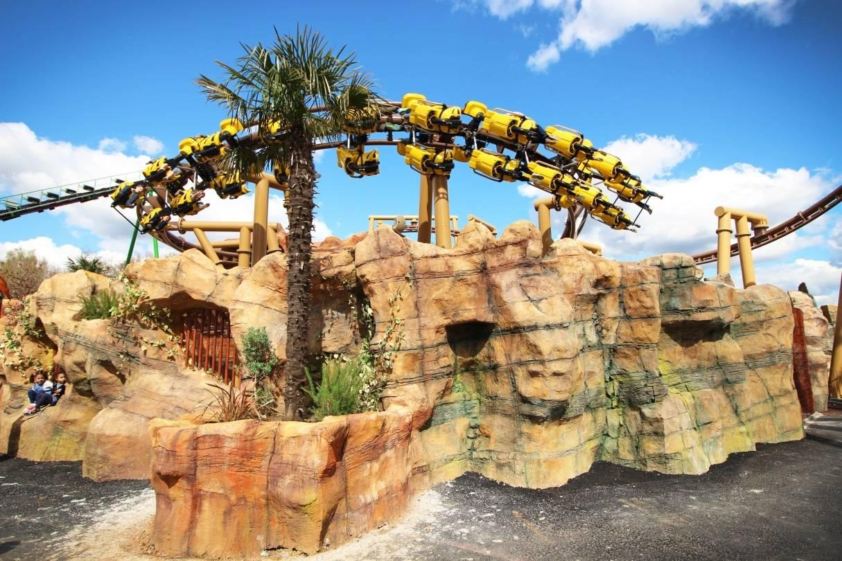 A Guide to the Rides and Attractions in Lost Kingdom