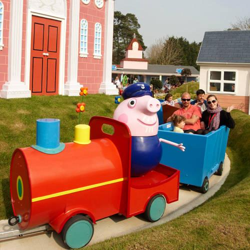 A Guide to Rides and Attractions for Toddlers under 1 metre at Paultons Park and Peppa Pig World