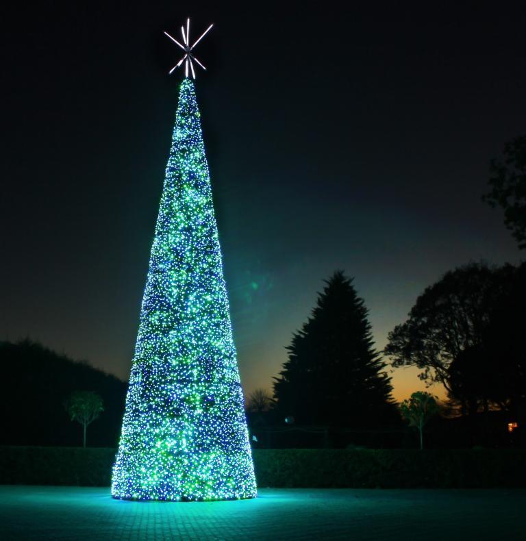 Santa Clause is coming to town and visiting Christmas at Paultons Park