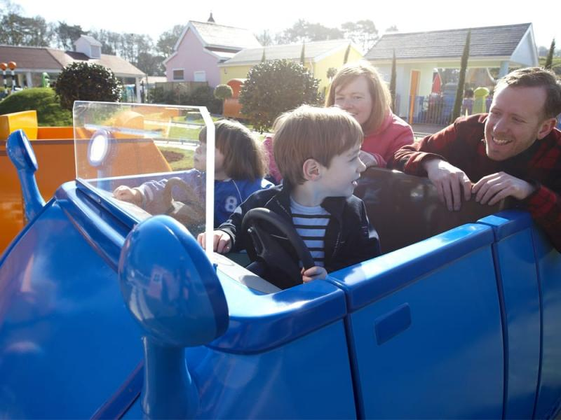 Daddy Pigs Car Ride in Peppa Pig World at Paultons Park
