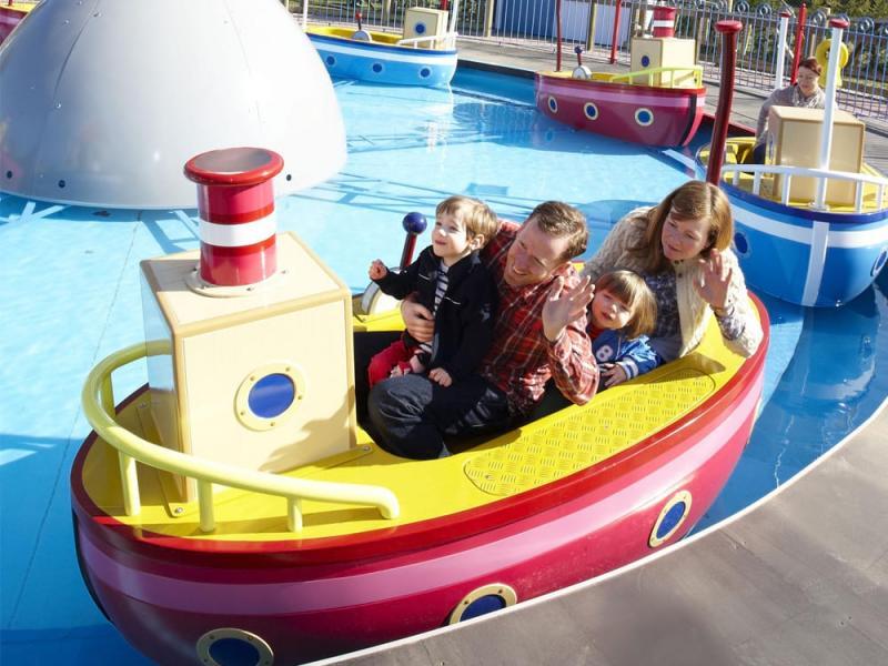 Grandpa Pigs Boat Trip in Peppa Pig World at Paultons Park
