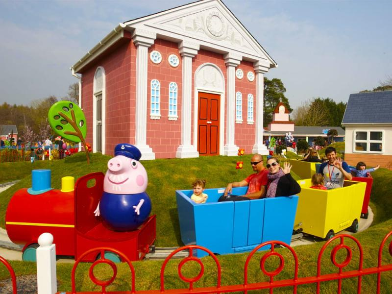 Grandpa Pig's Little Train Ride in Peppa Pig World at Paultons Park
