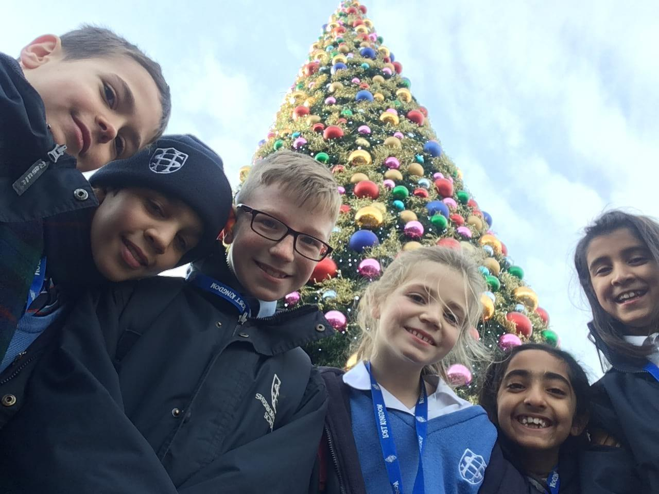 Visit Paultons Park at Christmas: By Sherborne House School Primary Reporters - Juliette, Mia, Kaavy