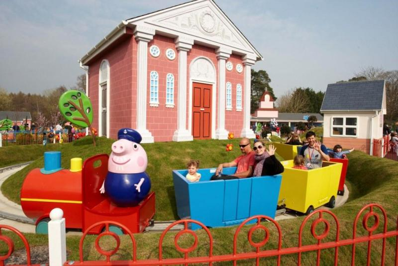 Grandpa Pig's Little Train Ride