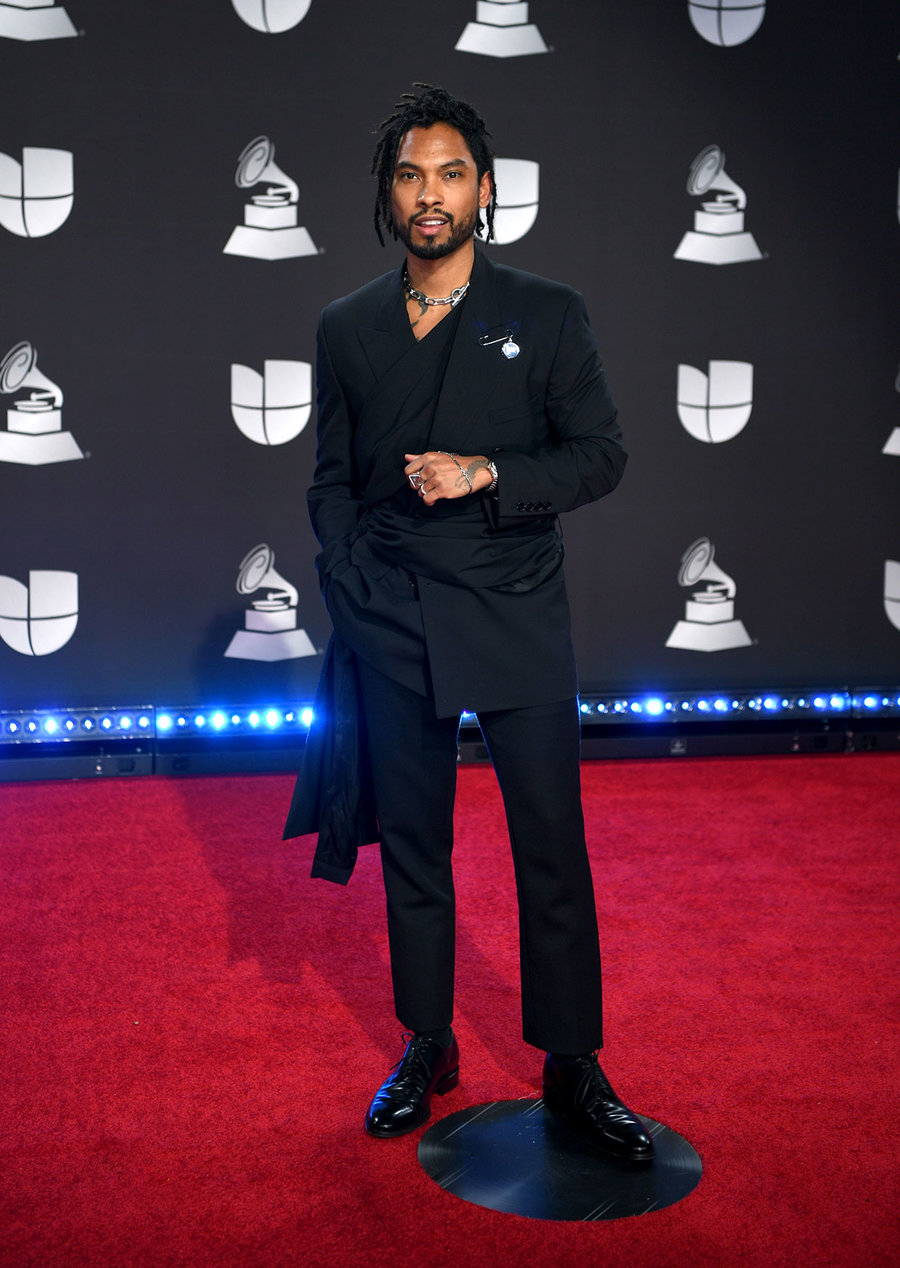 SPOTTED: Miguel Attends Latin Grammys in Dior Men Suit
