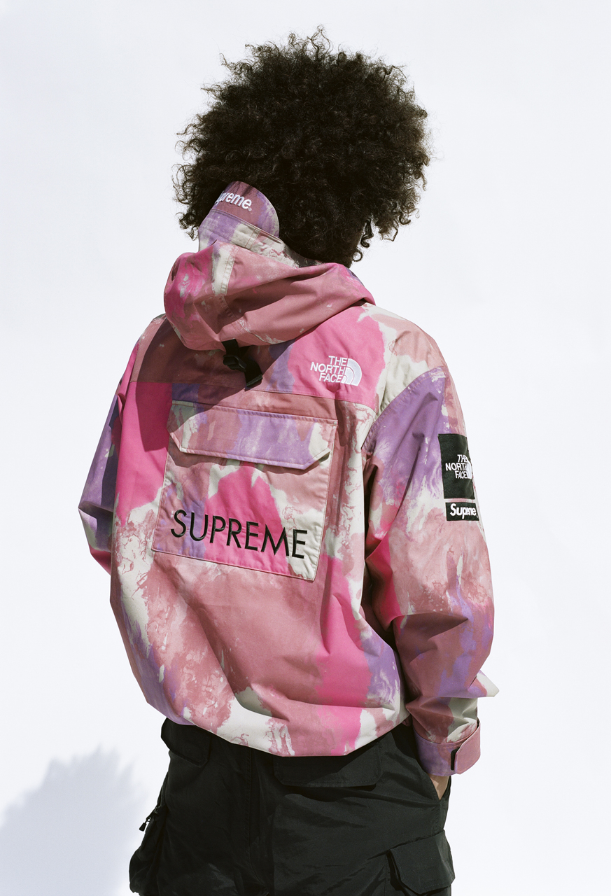 Supreme continues Charitable Mood with The North Face Collaboration