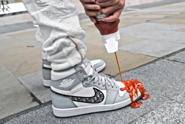https___hypebeast.com_image_2020_07_dior-air-jordan-1-high-og-crep-protect-ketchup-test-video-0