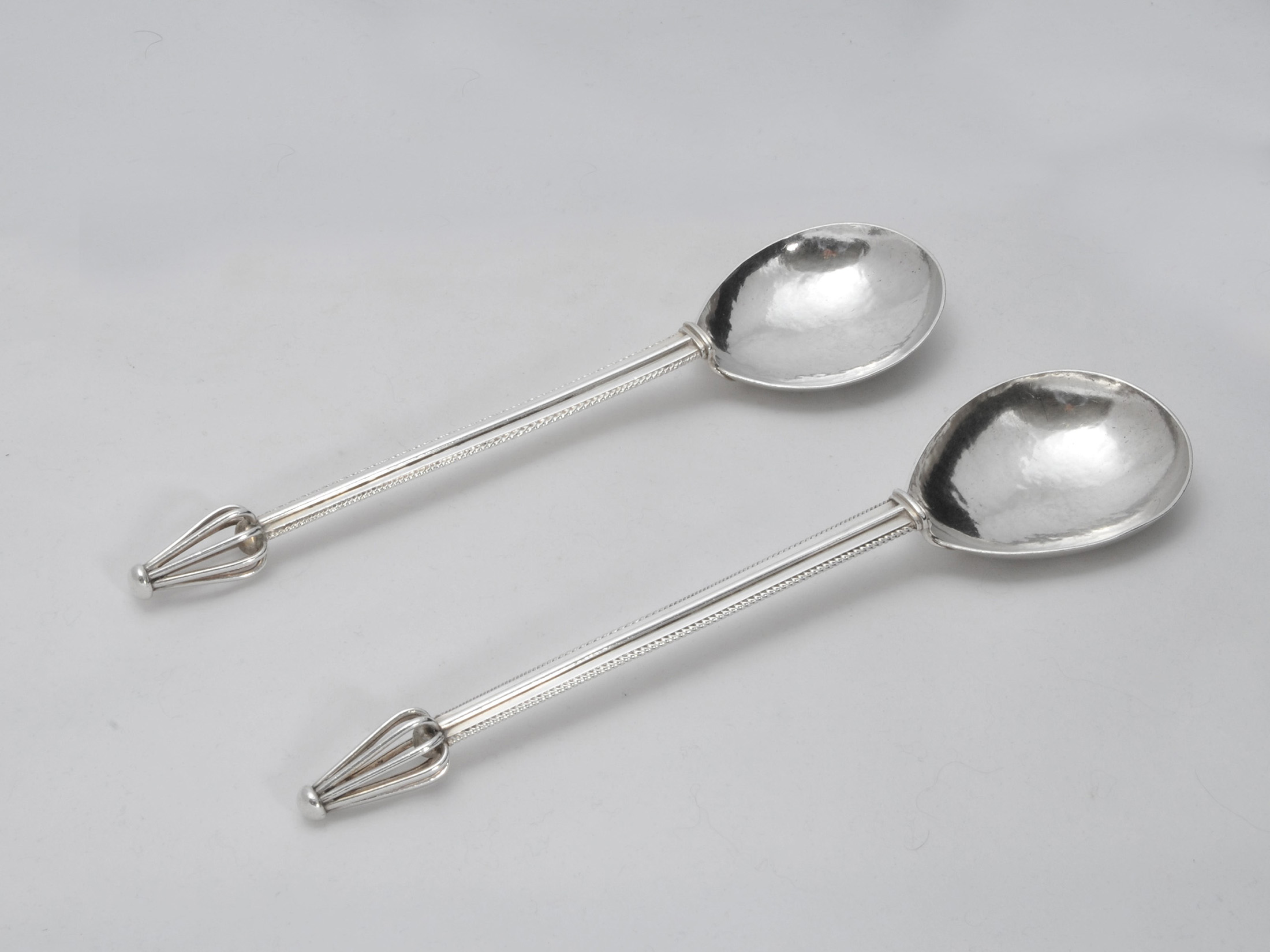 Artificers guild Edward Spencer serving spoons