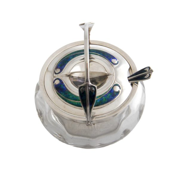 Archilbad Knox silver jar