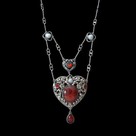 Minns necklace