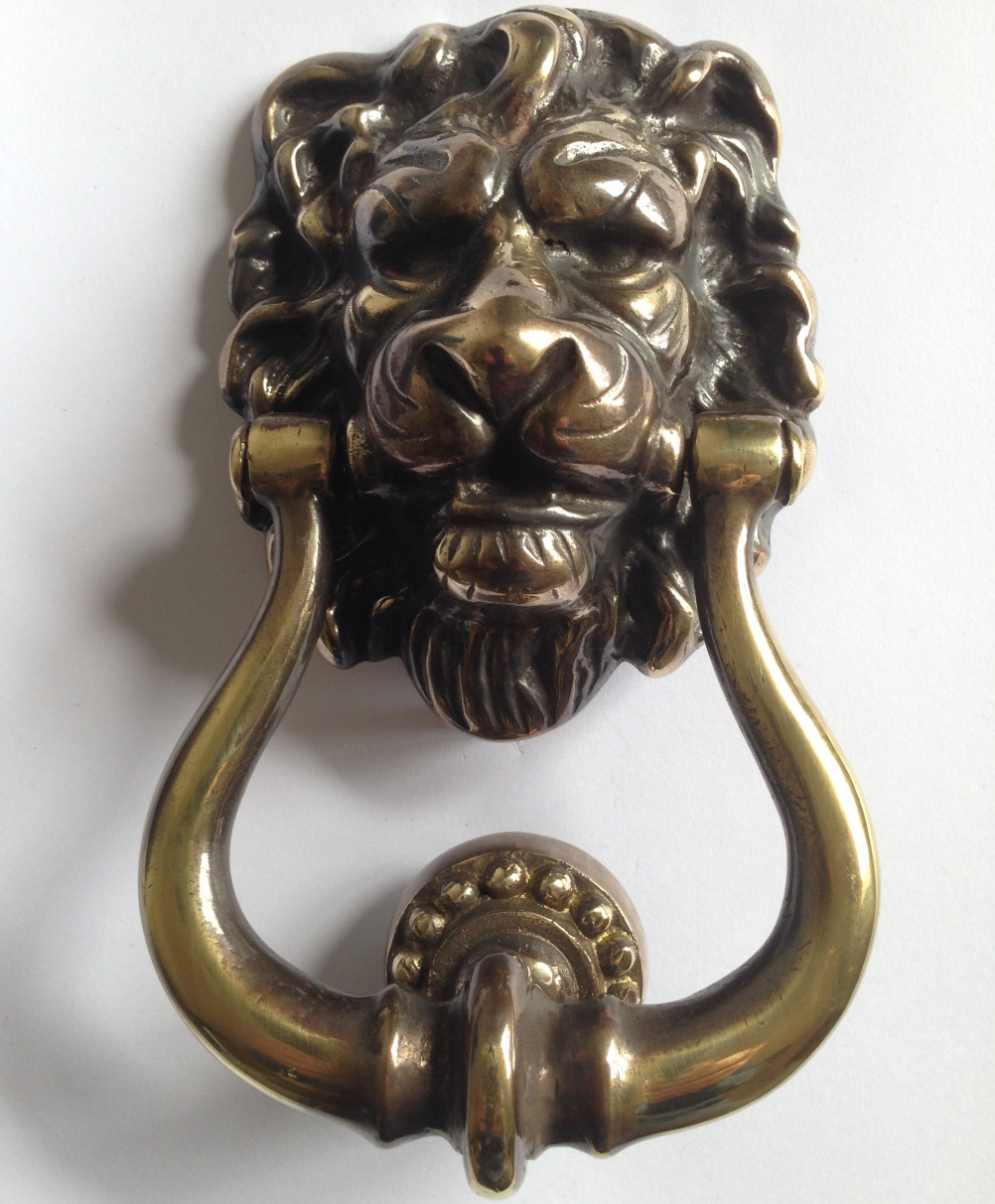 aged-brass-lion-head