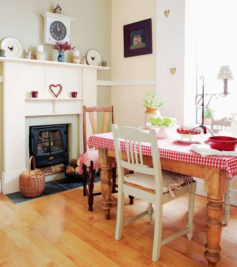 0710ephgrave-kitchentable