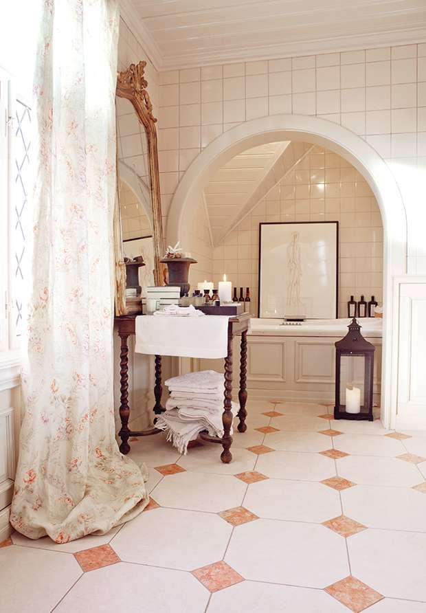 Bathroom in Norwegian cottage