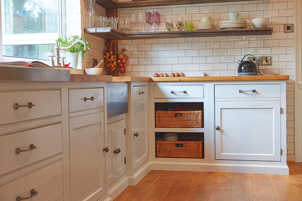 l-shaped shaker kitchen from main furniture and kitchen company