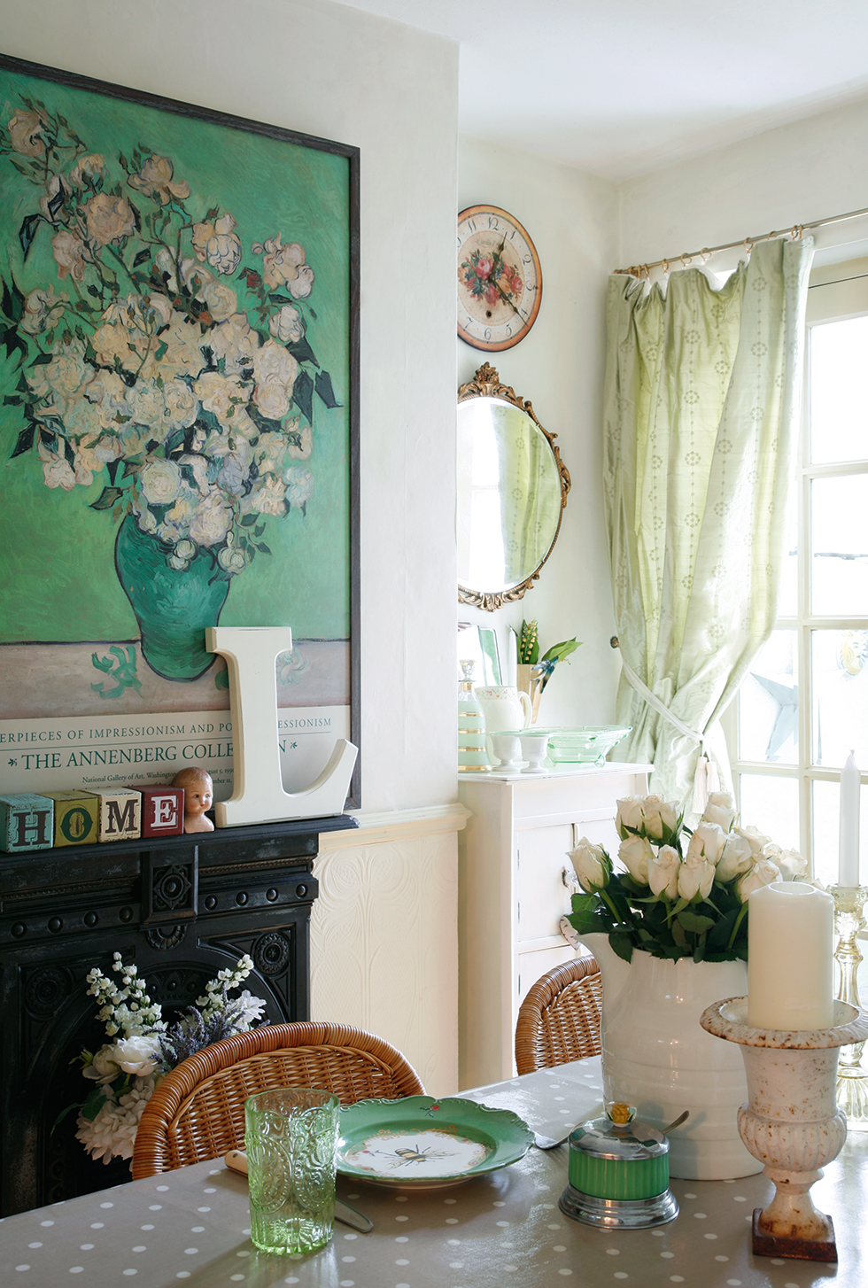 Dining room with a botanical, outdoor feel