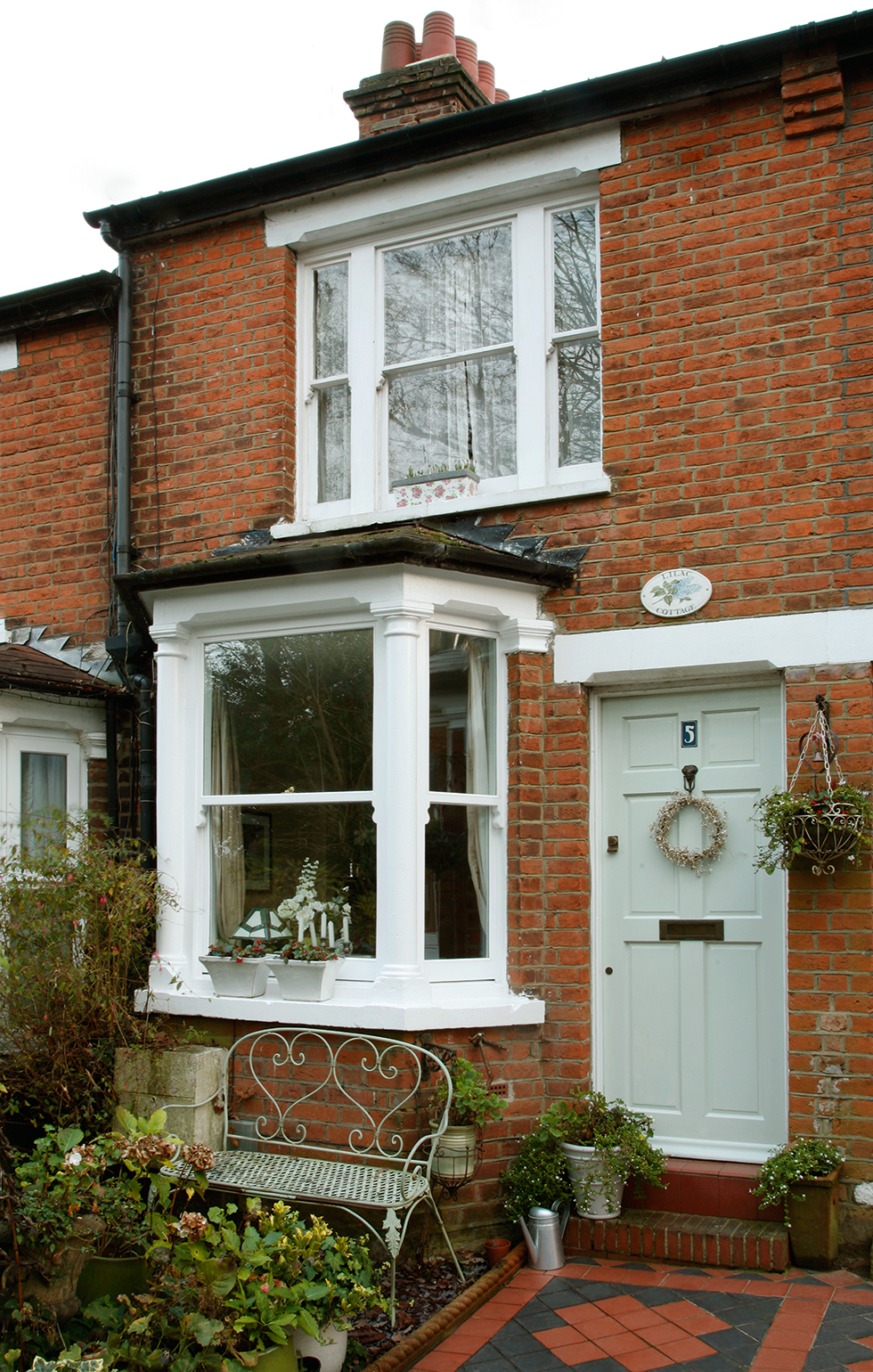 Victorian Cottage Decorated With Vintage Finds