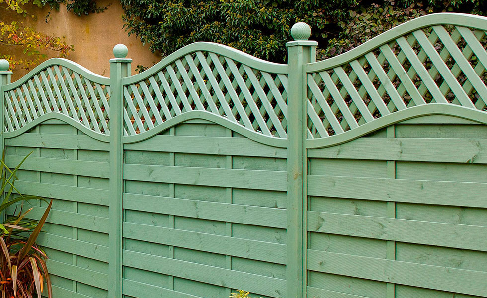 B&Q Green Woodbury Timber Fence Panel (W)1.8m (H)1.8m, Pack of 5